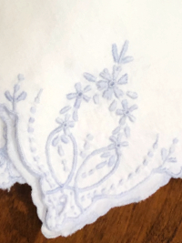 Vintage Embroidered Napkins – White with Light Blue Embroidery_THUMBNAIL