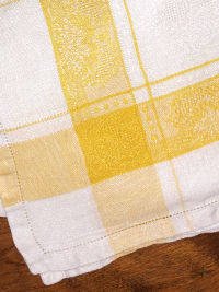 Vintage Napkins – White and Yellow Plaid_THUMBNAIL