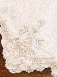 Vintage Embroidered Napkins – Khaki with Scalloped Edges_THUMBNAIL