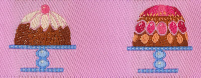 Trim UU - variety of cakes, pink background