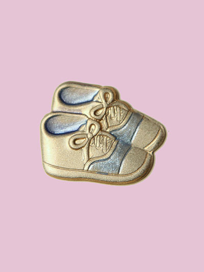 Susan Clarke - Baby Shoes Button