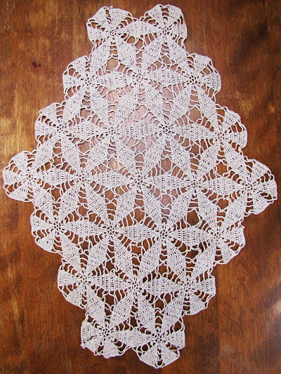 Vintage Ivory Lace Doily with Six Point Flower Design_MAIN