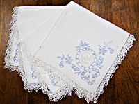 Vintage Embroidered Napkins – White with Light Blue Embroidery and White Lace_THUMBNAIL