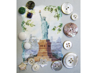 VINTAGE Miscellaneous Buttons on Card with Statue of Liberty