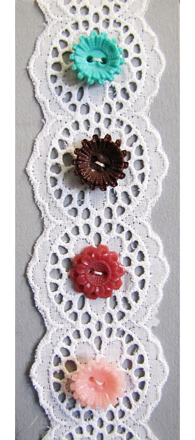 VINTAGE Colorful Plastic Flower Buttons on Card with White Lace