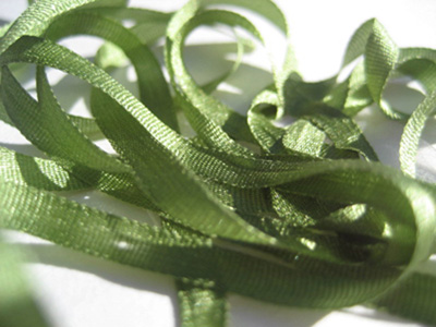 YLI Silk Ribbon, 2mm — 020 (leaf green)