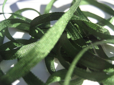 YLI Silk Ribbon, 4mm — 021 (dark leaf green)