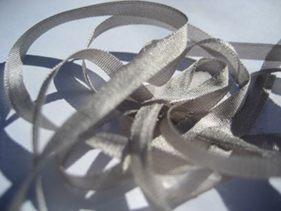 YLI Silk Ribbon, 2mm — 029 (pearl grey)