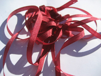 YLI Silk Ribbon, 7mm — 050 (maroon)
