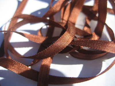 YLI Silk Ribbon, 4mm — 151 (cinnamon rust)_MAIN