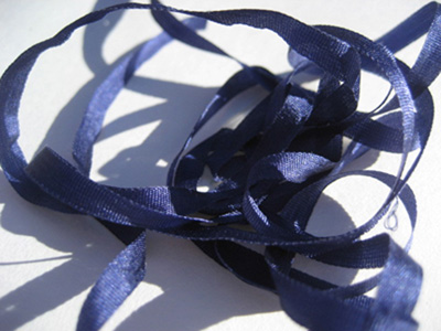 YLI Silk Ribbon, 4mm — 185 (violet navy)
