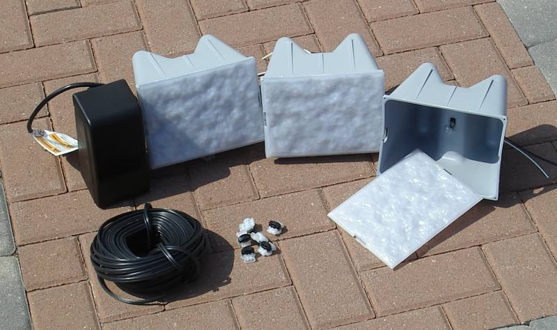 "Kerr Lighting 12 Volt 6"" x 8"" Retaining Wall Lights & Kits For  6"" Thick Modular Wall Systems"