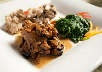 Seitan Medallions in Garlic Soy Sauce by Veggie Brothers