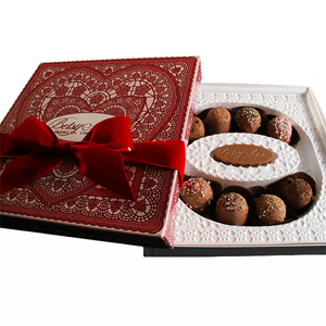 8pc Red Sqr Heart Amer. Truffles
