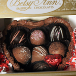 Chocolate Heart w Truffles (16oz)_THUMBNAIL