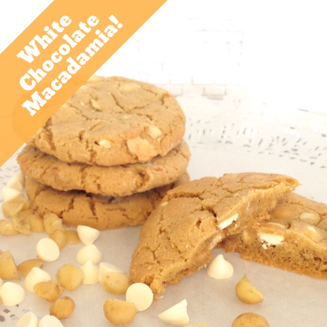White Chocolate Macadamia Chip Cookie LARGE