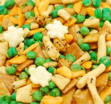 Rice Crackers  with Peas Mix_MAIN
