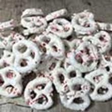 Peppermint-Topped Yogurt Pretzels MAIN