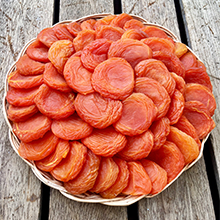 Extra Fancy Apricots in Round Basket 16 oz LARGE