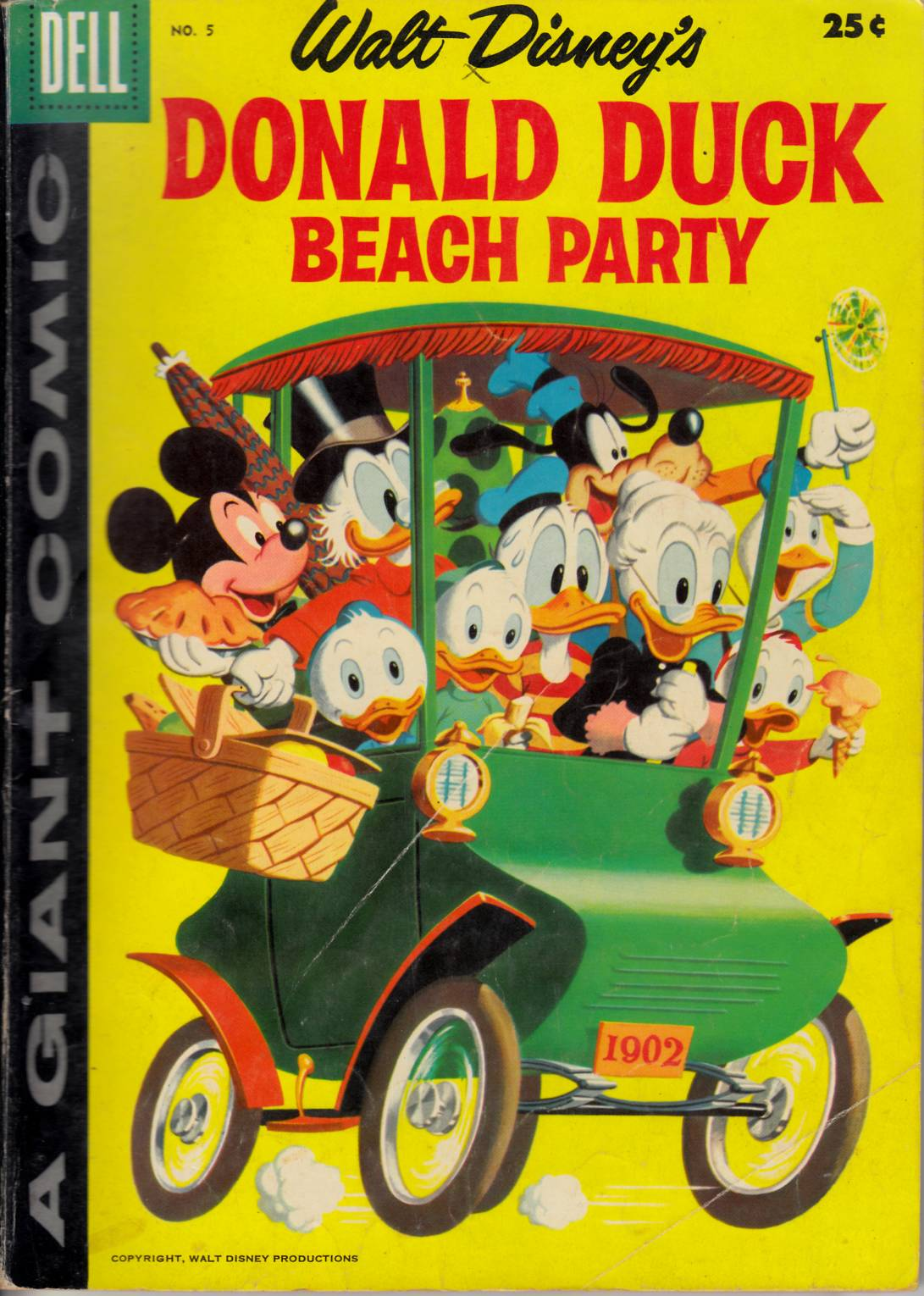 Dell Giant Donald Duck Beach Party #5 Good (2.0) [Dell Comic]_THUMBNAIL