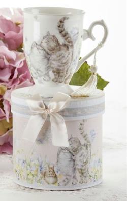 Snuggle Cat Porcelain Mug in Gift Box