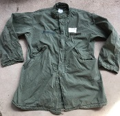 Vintage Vietnam Era USGI M-1965 Fishtail Parka WITH Liner! Med/Reg 1972 with a  Large Repair THUMBNAIL