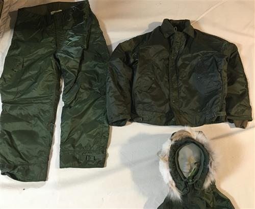 Vietnam Era Mint Condition Navy A-1 Extreme Cold Weather Set LARGE