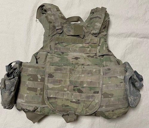 KDH Defense MutliCam IOTV Tactical Plate Carrier w Kevlar Inserts & (2) ACU Pouches Size Small SWATCH