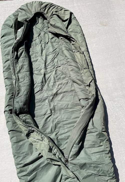 British Army Medium Weight Sleeping Bag Comfort Rating 14 Degrees F SWATCH