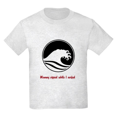 Mommy sipped while I surfed ›› Kid's Tee LARGE