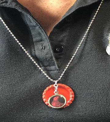 Red Seal Necklace MAIN