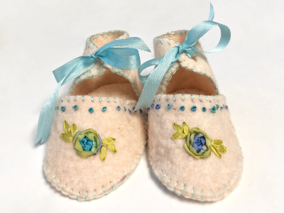 Baby Booties – Cream and Blue MAIN