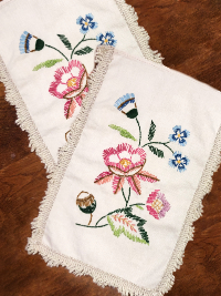 Vintage Hand Embroidered Doily Pair THUMBNAIL