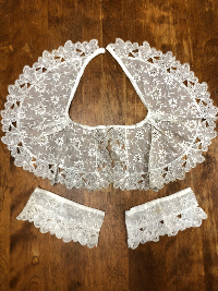 Vintage Lace Collar and Cuffs THUMBNAIL