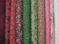 "Bargello Quilt Fabric Kit for Twin Size Quilt 66.5"" x 105"" _ Rose and Green THUMBNAIL"