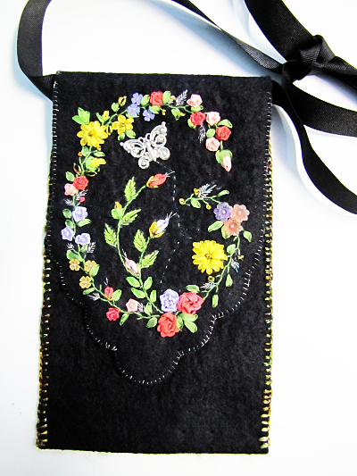Beginning Ribbon Embroidered iPhone Pouch MAIN