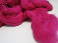 Merino Wool Roving – Raspberry THUMBNAIL