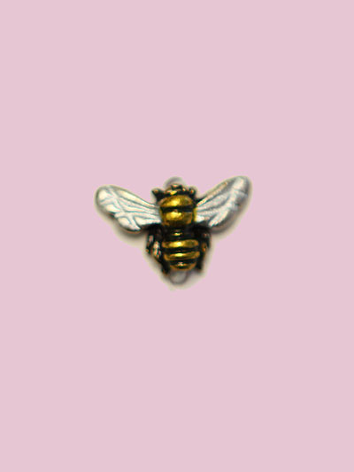 Susan Clarke - Flying Bee Embellishment MAIN