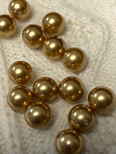 VINTAGE Beads - Swarovski Glass Pearls Gold 10mm,  14 ct MAIN