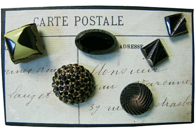 "VINTAGE Miscellaneous Black Buttons on ""Carte Postale"" Card MAIN"
