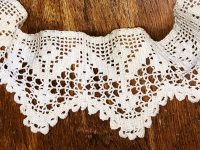 "Vintage Hand Crocheted Trim – Cream – 38"" Round THUMBNAIL"