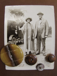 VINTAGE Brown Buttons on Card with Old-Fashioned Photo of Couple THUMBNAIL