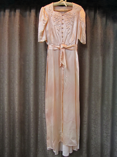 Salmon Vintage 1940s Dressing Gown  (#19) MAIN