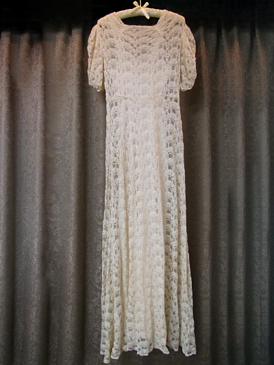 1940s Cream Colored Vintage Lace Dress With Slip 8 Piecemakers Country Online