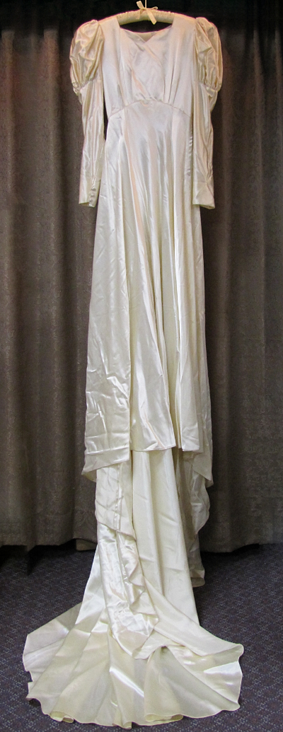 Cream-Colored 1940s Vintage Wedding Dress with Long Train by The Debutante (#5) MAIN