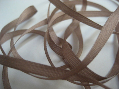 YLI Silk Ribbon, 4mm — 066 (London tan) MAIN