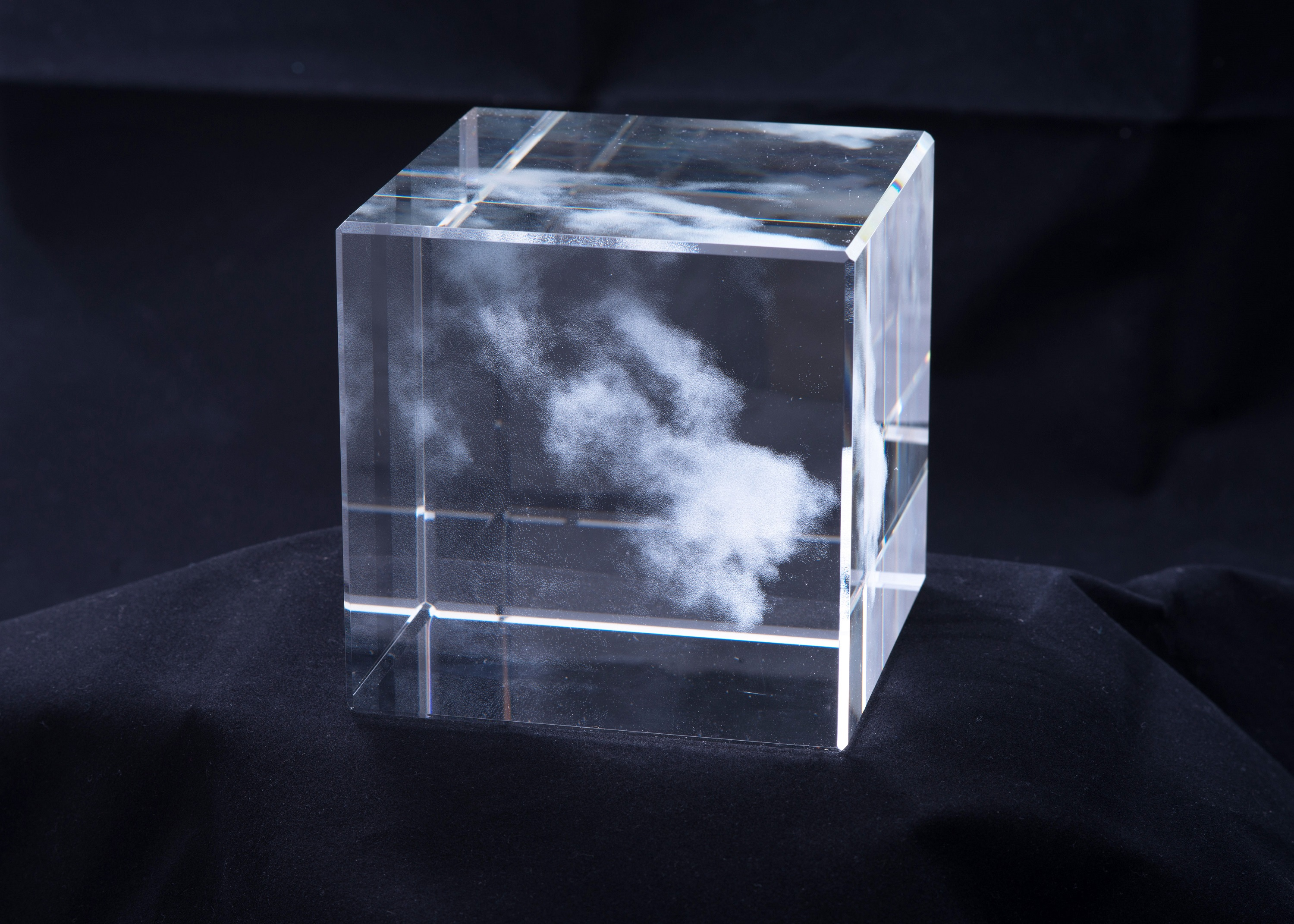 Miya Ando: Kumo (Cloud) for Glass House (Shizen) Nature Series