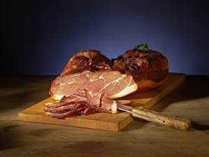 Berkshire Boneless Ham - Applewood Smoked, Uncured Black Forest Ham_LARGE