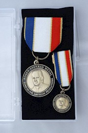 BRONZE ROGER SHERMAN MEDAL SET THUMBNAIL