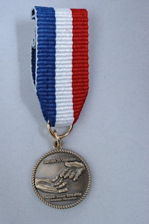 MINIATURE SERVICE TO VETERANS MEDAL LARGE